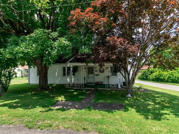 4 bed 1 bath Single Family at 300 Fairview Ave Masontown, PA, 15461 is for sale at 90k - 1 of 16
