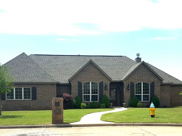 4 bed 2 bath Single Family at 2312 Skyview Cir Enid, OK, 73703 is for sale at 263k - 1 of 29