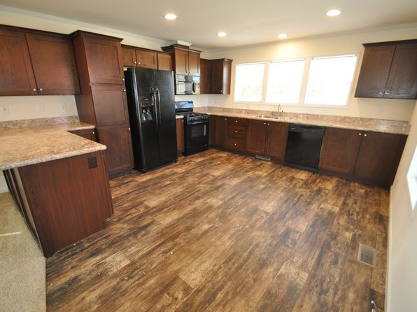 3 bed 2 bath Mobile / Manufactured at 89 N Hiawatha Cir Sheboygan, WI, 53081 is for sale at 59k - 1 of 11