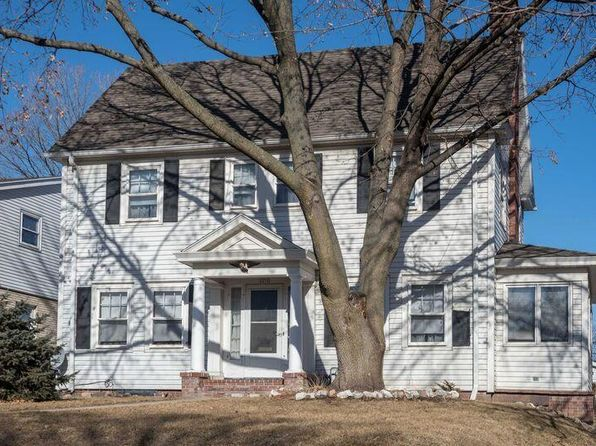 3 bed 2 bath Single Family at 6836 W Wisconsin Ave Wauwatosa, WI, 53213 is for sale at 225k - 1 of 7