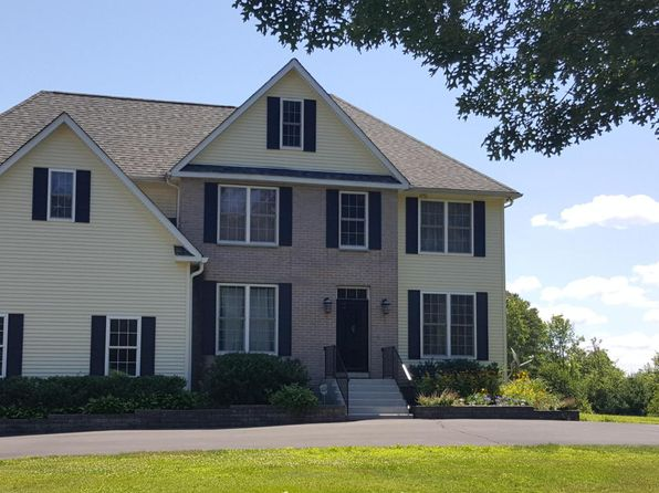 5 bed 5 bath Single Family at 107 Stone Ridge Rd Dingmans Ferry, PA, 18328 is for sale at 389k - 1 of 43