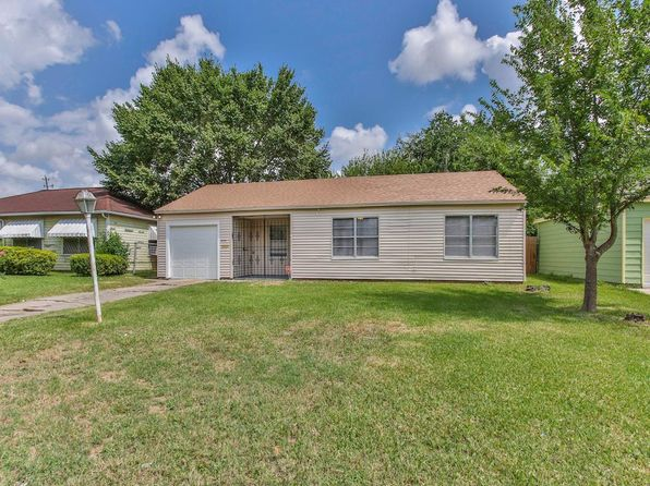 3 bed 1 bath Single Family at 4721 Meadow Park Dr Houston, TX, 77048 is for sale at 130k - 1 of 20