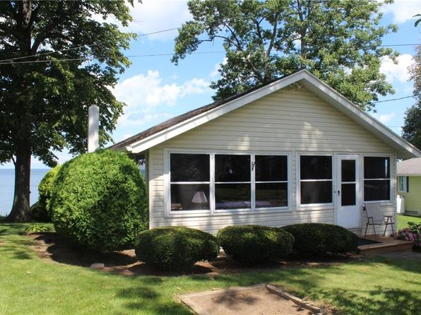 2 bed 1 bath Single Family at 13313 Lakeside Park Rd Waterport, NY, 14571 is for sale at 140k - 1 of 17