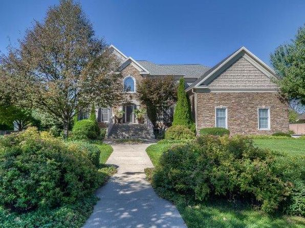 5 bed 5 bath Single Family at 2104 Crimson Ln Bloomington, IL, 61704 is for sale at 530k - 1 of 35