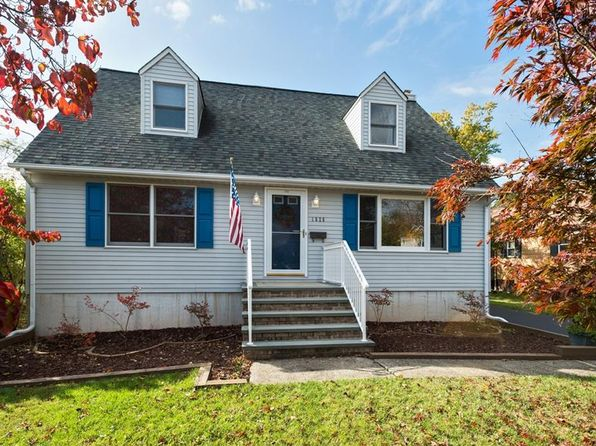 3 bed 2 bath Single Family at 1626 Ford Ave South Plainfield, NJ, 07080 is for sale at 330k - 1 of 18