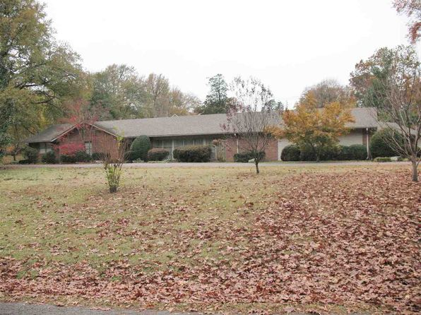 3 bed 2.5 bath Single Family at 1811 Cooper Dr Dyersburg, TN, 38024 is for sale at 212k - 1 of 18