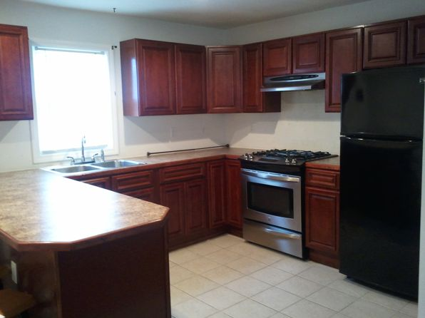 3 bed 2 bath Single Family at 465 Union St New Bedford, MA, 02740 is for sale at 195k - 1 of 7