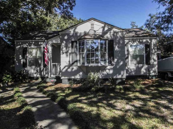 2 bed 1 bath Single Family at 120 COUNTRY CLUB RD PENSACOLA, FL, 32507 is for sale at 150k - 1 of 11