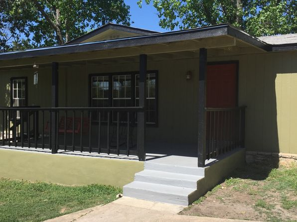 3 bed 2 bath Single Family at 103 Bessie Ln Kerrville, TX, 78028 is for sale at 129k - 1 of 12