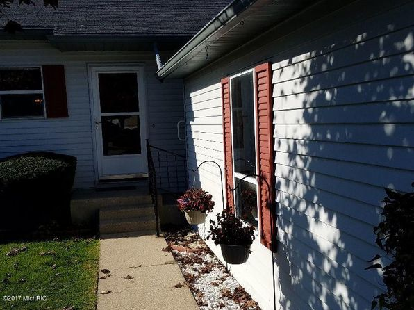 2 bed 2 bath Condo at 3264 Cambridge St SE Kentwood, MI, 49512 is for sale at 108k - 1 of 10