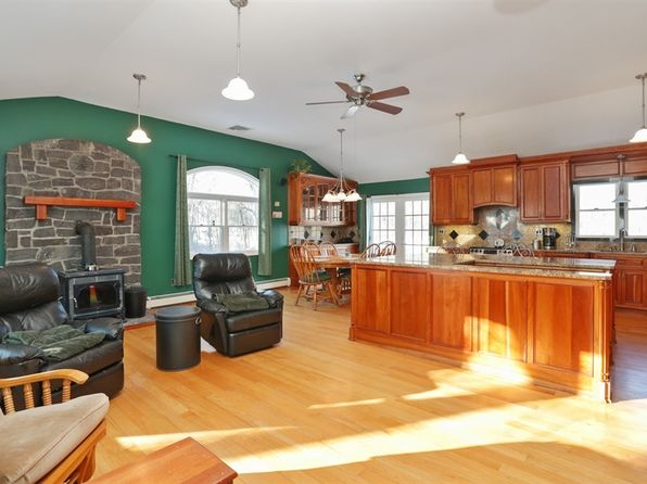 3 bed 3 bath Single Family at 13 Elm Dr Mahopac, NY, 10541 is for sale at 350k - 1 of 34