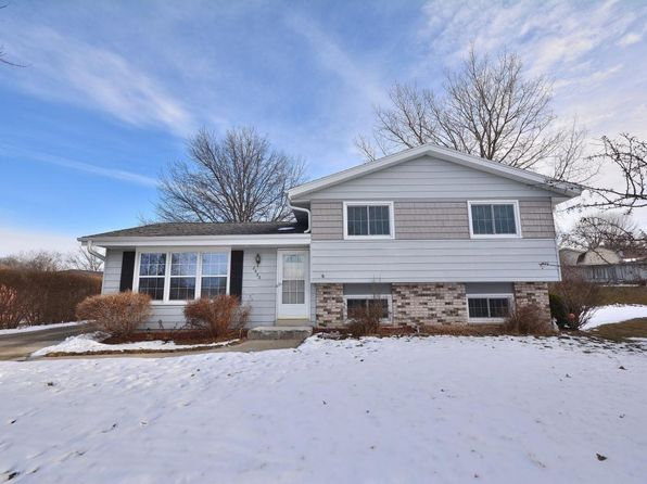3 bed 2 bath Single Family at 8632 S Fenway Ct Oak Creek, WI, 53154 is for sale at 245k - 1 of 20