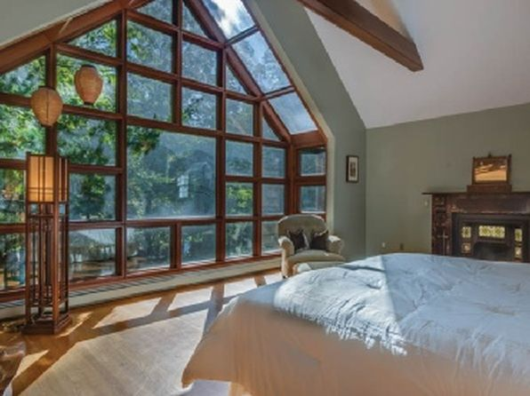 5 bed 4 bath Single Family at 20 RED DIRT RD EAST HAMPTON, NY, 11937 is for sale at 1.35m - 1 of 38