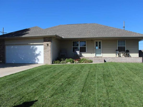 5 bed 3 bath Single Family at 1218 E 28th Ave Hutchinson, KS, 67502 is for sale at 175k - 1 of 18