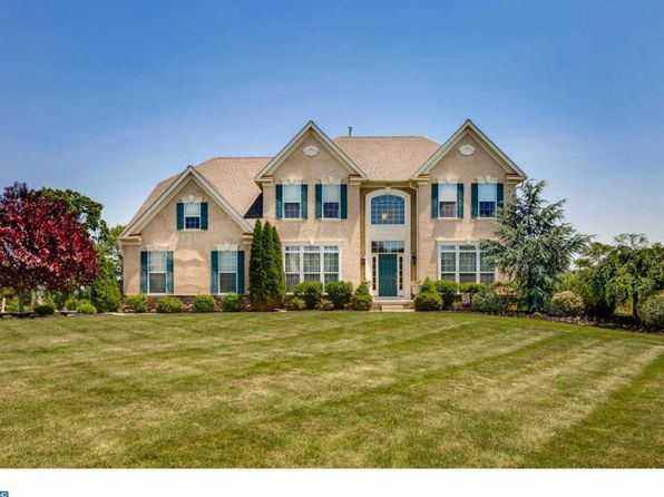 4 bed 3 bath Single Family at 6 Maple Glen Ct Swedesboro, NJ, 08085 is for sale at 470k - 1 of 25
