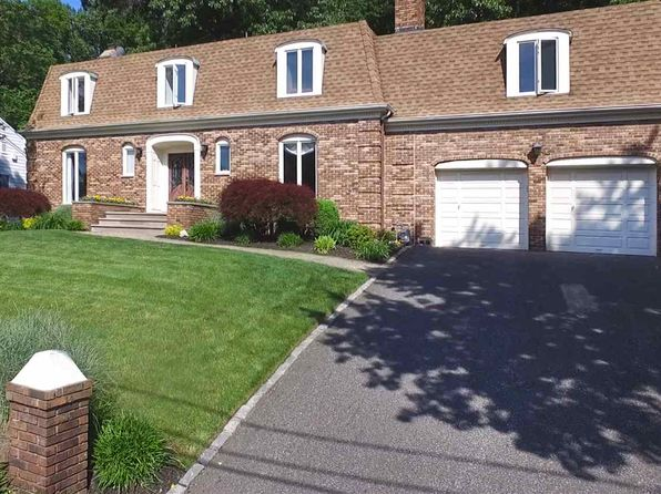 5 bed 5 bath Single Family at 1131 Ridge Dr Mountainside, NJ, 07092 is for sale at 880k - 1 of 15