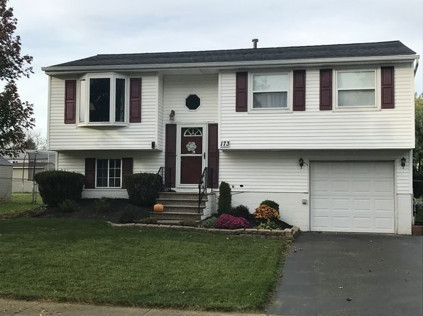 3 bed 2 bath Single Family at 173 OAKHILL DR HAMBURG, NY, 14075 is for sale at 165k - google static map