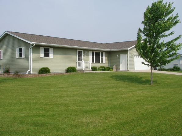 3 bed 2 bath Single Family at 404 N 1st Ave Valders, WI, 54245 is for sale at 185k - 1 of 13