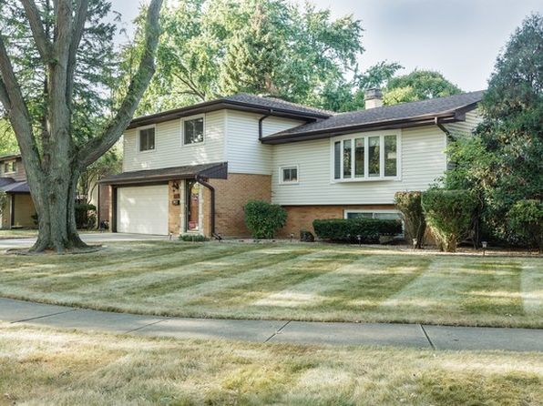 4 bed 4 bath Single Family at 1504 E Emmerson Ln Mount Prospect, IL, 60056 is for sale at 440k - 1 of 31