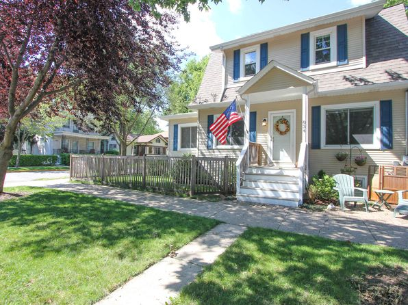 2 bed 2 bath Single Family at 834 Carpenter Ave Oak Park, IL, 60304 is for sale at 299k - 1 of 50