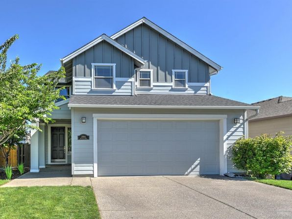 3 bed 2.5 bath Single Family at 2994 NE Red Oak Dr Bend, OR, 97701 is for sale at 350k - 1 of 23