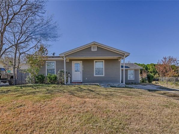 3 bed 2 bath Single Family at 654 Mirike Dr White Settlement, TX, 76108 is for sale at 130k - 1 of 30