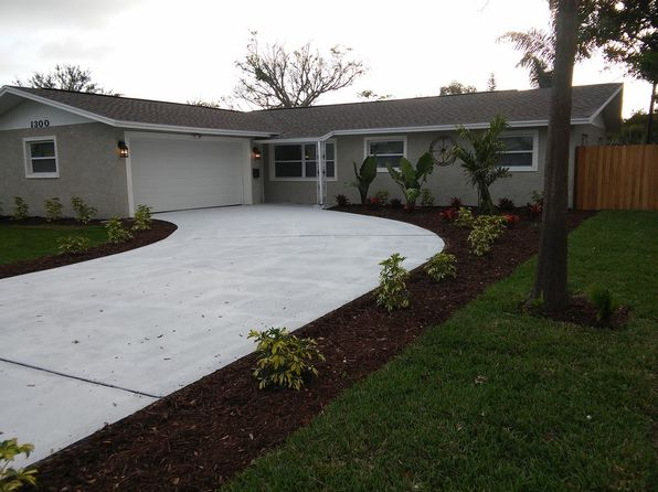 4 bed 2 bath Single Family at 1300 Devonshire Dr N Saint Petersburg, FL, 33710 is for sale at 285k - 1 of 42