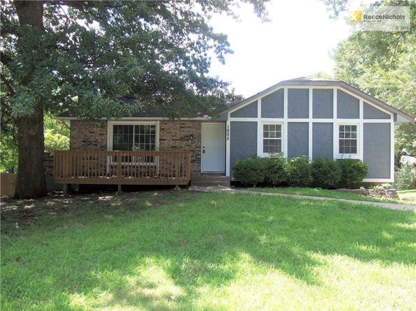 3 bed 2 bath Single Family at 1805 SE Piccadilly St Blue Springs, MO, 64014 is for sale at 150k - 1 of 22