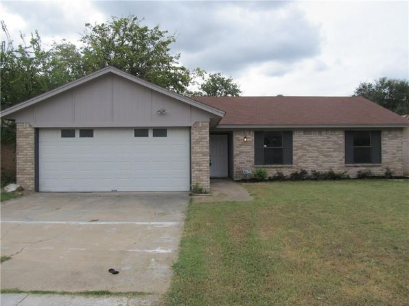 4 bed 2 bath Single Family at 2805 Highlawn Ter Fort Worth, TX, 76133 is for sale at 155k - 1 of 35
