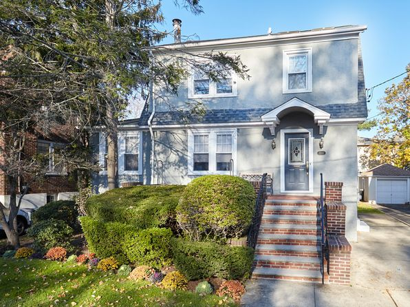 3 bed 4 bath Single Family at 1068 Roselle Pl Woodmere, NY, 11598 is for sale at 698k - 1 of 32
