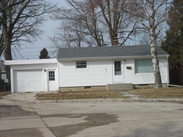 2 bed 1 bath Single Family at 810 Redfin Ct Manitowoc, WI, 54220 is for sale at 52k - 1 of 9