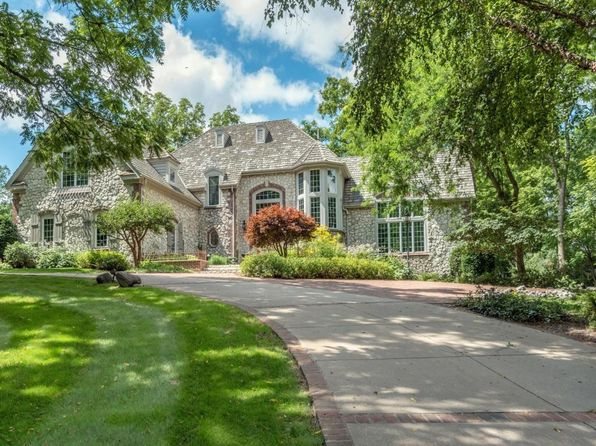 5 bed 5 bath Single Family at 1225 Woodlawn Cir Elm Grove, WI, 53122 is for sale at 1.34m - 1 of 25