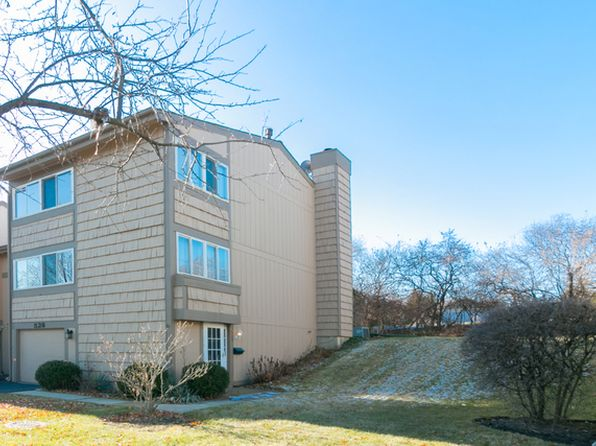 3 bed 3 bath Townhouse at 528 N Woodfield Trl Roselle, IL, 60172 is for sale at 220k - 1 of 16