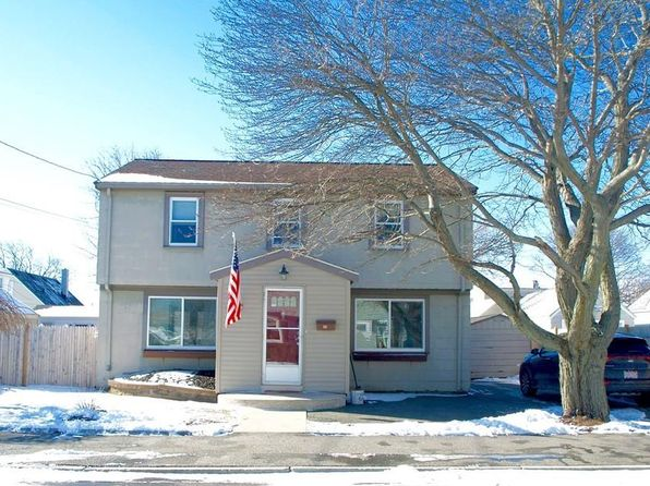 3 bed 2 bath Single Family at 10 LAWSON AVE REVERE, MA, 02151 is for sale at 399k - 1 of 22