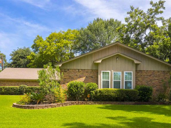 3 bed 2 bath Single Family at 2090 Fort Dr Longview, TX, 75604 is for sale at 190k - 1 of 22