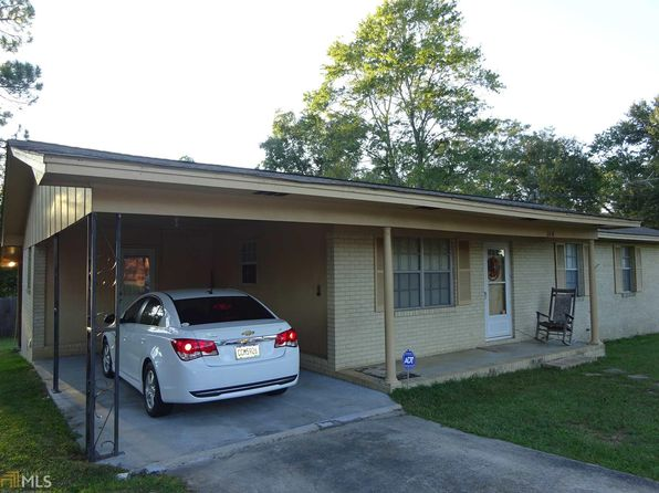 3 bed 2 bath Single Family at 104 N College St Claxton, GA, 30417 is for sale at 75k - 1 of 12