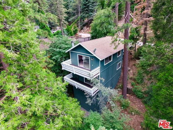 3 bed 2 bath Single Family at 725 OAKMONT LN LAKE ARROWHEAD, CA, 92352 is for sale at 250k - 1 of 31