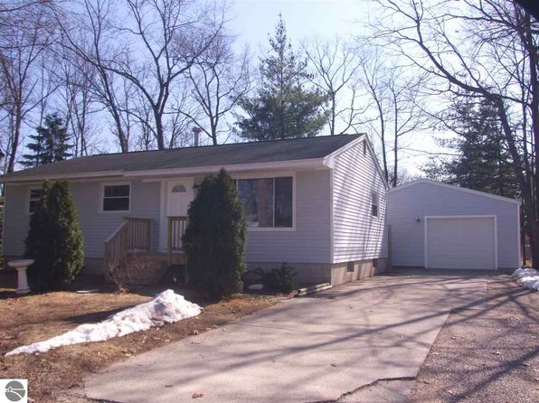 3 bed 2 bath Single Family at 936 Boon St Traverse City, MI, 49686 is for sale at 173k - 1 of 14