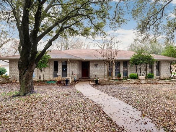 4 bed 3 bath Single Family at 3005 Deep Valley Trl Plano, TX, 75075 is for sale at 275k - 1 of 36