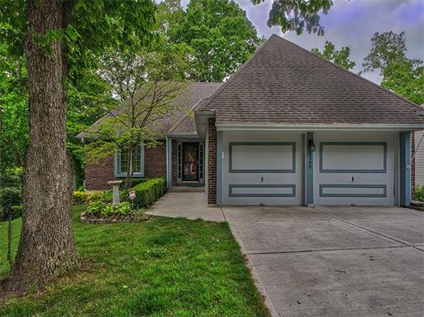 5 bed 3.5 bath Single Family at 5300 N Walnut St Kansas City, MO, 64118 is for sale at 235k - 1 of 25