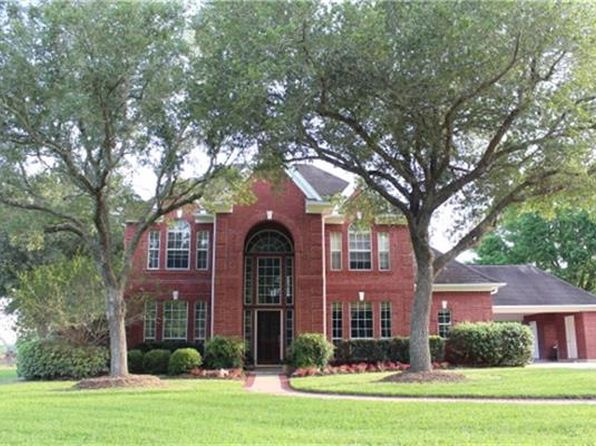 4 bed 3.5 bath Single Family at 4730 Gainsborough Fulshear, TX, 77423 is for sale at 975k - 1 of 31
