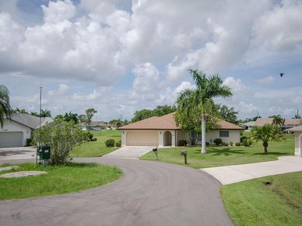 2 bed 2 bath Single Family at 1473 Vermouth Ln Punta Gorda, FL, 33983 is for sale at 175k - 1 of 23