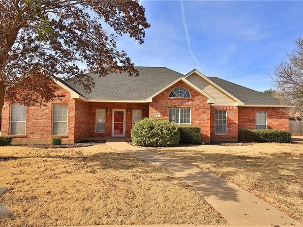 3 bed 2 bath Single Family at 1402 Newcastle Dr Abilene, TX, 79601 is for sale at 220k - 1 of 36