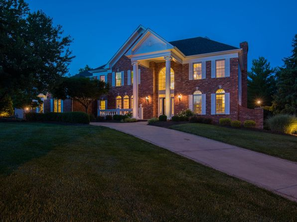 4 bed 5 bath Single Family at 1008 GREYSTONE MANOR PKWY CHESTERFIELD, MO, 63005 is for sale at 698k - 1 of 31