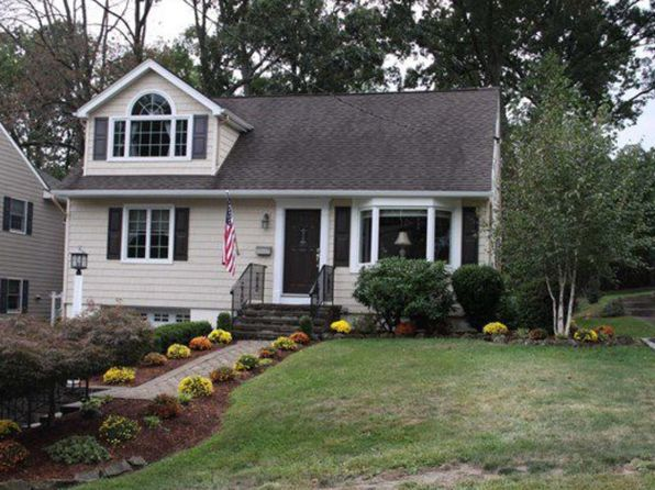 3 bed 3 bath Single Family at 143 Franklin St Verona, NJ, 07044 is for sale at 460k - 1 of 10