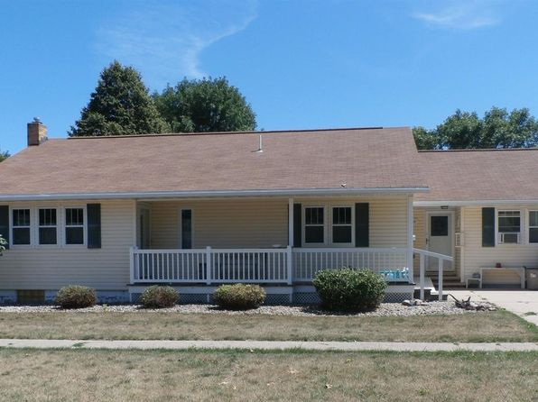 3 bed 1 bath Single Family at 809 7th Ave Alton, IA, 51003 is for sale at 145k - 1 of 18