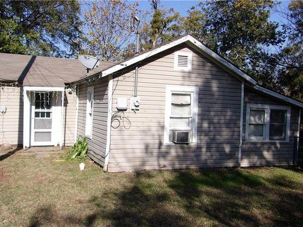 1 bed 1 bath Single Family at 407 E Pecan St Bowie, TX, 76230 is for sale at 37k - 1 of 6