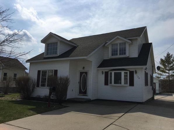 3 bed 2 bath Single Family at 620 Long Lake Ave Alpena, MI, 49707 is for sale at 105k - 1 of 22