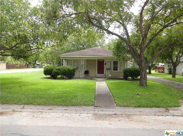 2 bed 1 bath Single Family at 1031 E Weinert St Seguin, TX, 78155 is for sale at 95k - 1 of 14