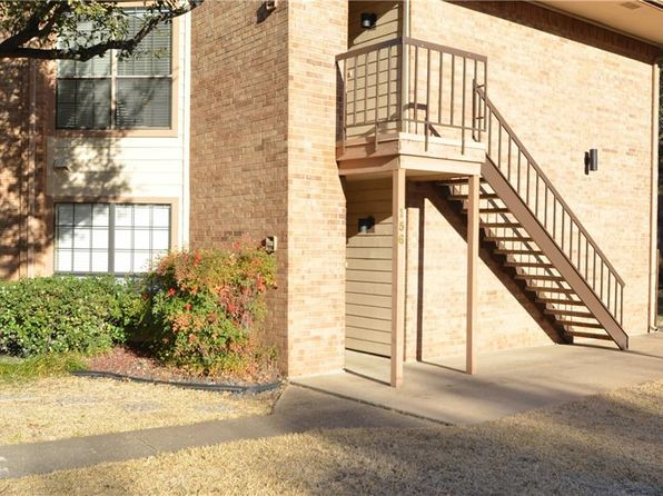 2 bed 2 bath Condo at 16301 Ledgemont Ln Addison, TX, 75001 is for sale at 160k - 1 of 17